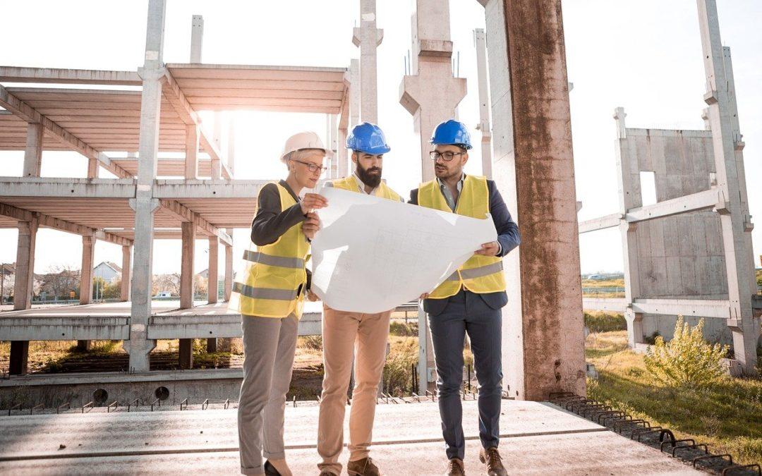 Ki és mikor jogosult leállítani egy építkezést? – építéshatósági alapismeretek beruházóknak és vállalkozóknak